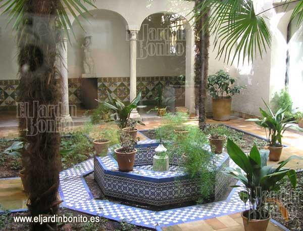Jardines de la casa de sorolla 04 Azulejos patio